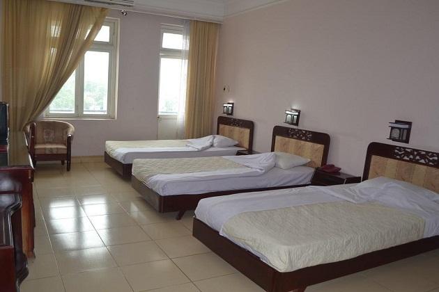 Khách sạn Vườn Đào Bãi Cháy