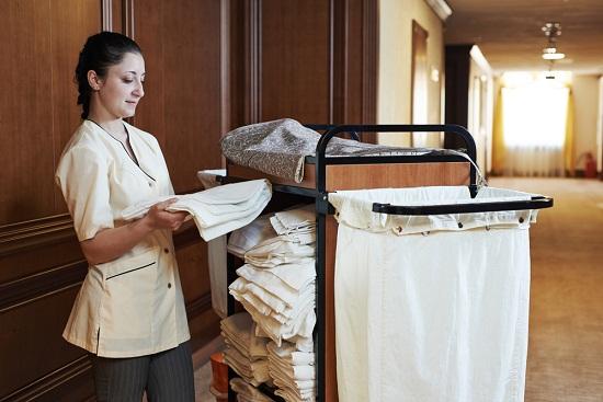 Tip cho nhân viên dọn phòng khách sạn