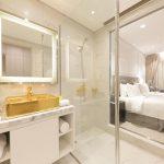 Trải nghiệm kỳ nghỉ quý tộc tại khách sạn ở Đà Nẵng dát vàng