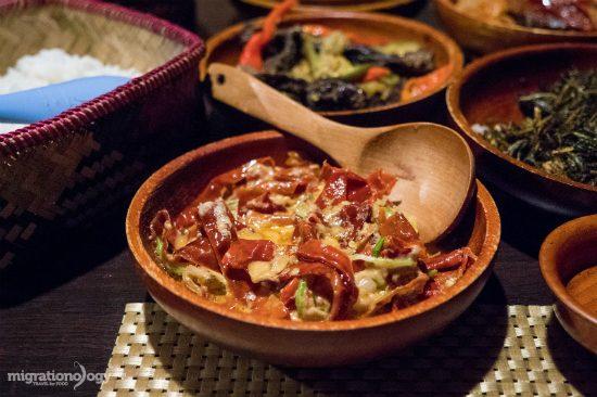 du lịch bhutan nên ăn gì