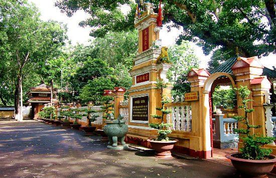 du lịch sài gòn đến 5 ngôi chùa linh thiêng