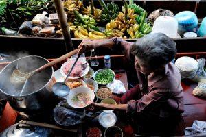 Độc đáo ẩm thực ở khu chợ nổi Tha Kha – Thái Lan