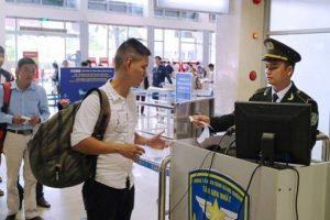 Bay dịp tết từ Tân Sơn Nhất: chú ý giấy tờ, thủ tục tránh chậm trễ