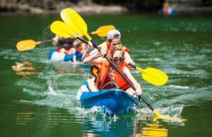 Trải nghiệm chèo thuyền Kayak ở vịnh Hạ Long (1N)