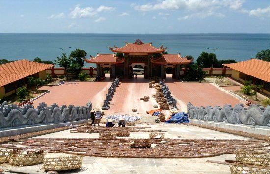 Chùa hộ quốc - tour du lịch Phú Quốc