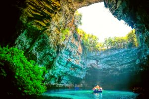 Tour Quảng Bình 1 ngày | Tham quan những hang động đẹp nhất thế giới
