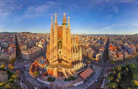 vé máy bay từ đà nẵng đi Barcelona