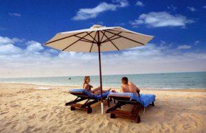 """Ngoài Mỹ Khê, Đà Nẵng còn có một bãi biển """"nhìn phát mê ngay""""!"""