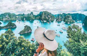 Tour du lịch Hà Nội Quảng Ninh 2 ngày 1 đêm: Du ngoạn cảnh đẹp Vịnh Hạ Long – Tuần Châu kì quan thiên nhiên thế giới