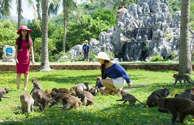 Tour du lịch HCM – Nha Trang – Vịnh Nha Phu – KDL Đảo Khỉ – VinWonder 3N3Đ siêu hấp dẫn