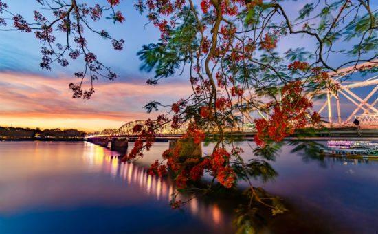 Sông Hương – Biểu tượng du lịch Huế thơ mộng