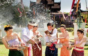 Lễ hội té nước ở Lào – Campuchia – Thái Lan có gì khác?