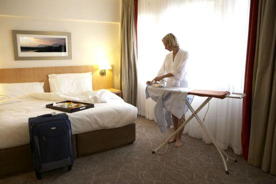 Các bàn ủi được miễn phí tại khách sạn thay vì sử dụng dịch vụ tốn phí