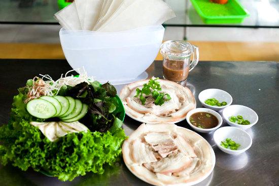 bánh tráng cuốn thịt luộc - tour đà nẵng