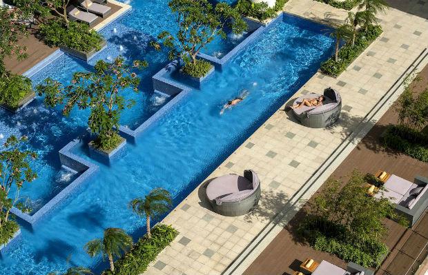 Hồ bơi ngoài trời tại InterContinental Nha Trang