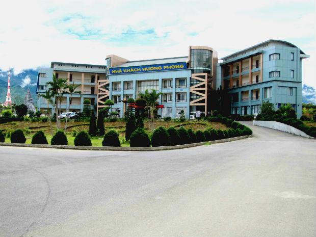 Nhà kháchHương Phong Lai Châu