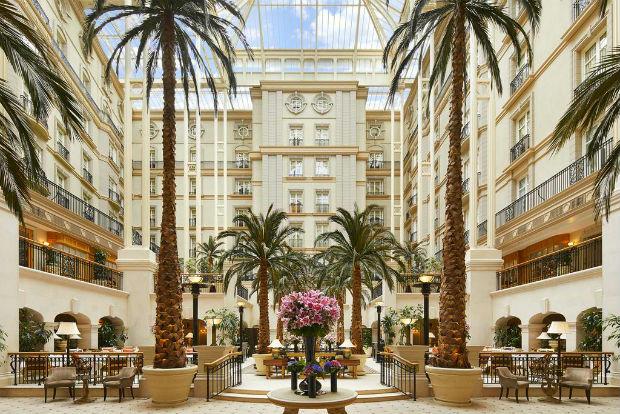 Khách sạn London