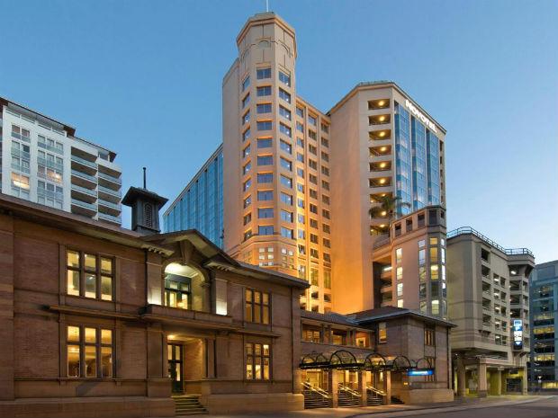 Khách Sạn Úc