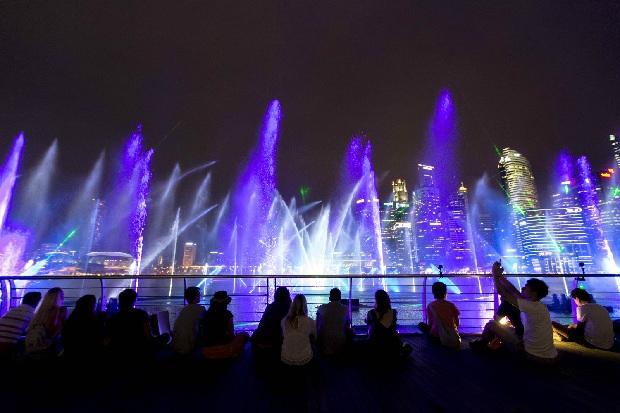 Spectra Show -  tour du lịch Singapore 3 ngày 2 đêm