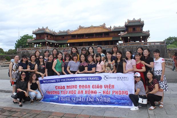 Tour do công ty du lịch uy tín Vietnam Booking tổ chức