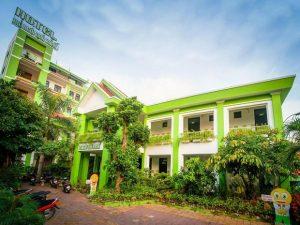 Khách sạn Ngôi Nhà Xanh
