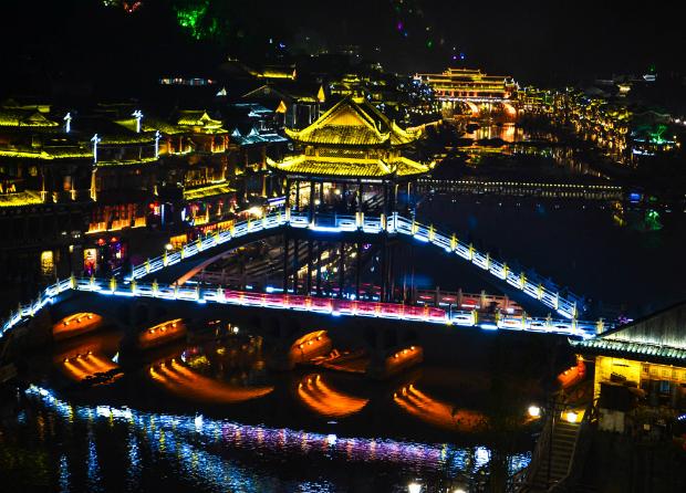 Tour Tết 2019: Dọc ngang Trung Quốc khám phá Nam Ninh – Trương Gia Giới – Phượng Hoàng Cổ Trấn – Phù Dung Trấn 6N5Đ