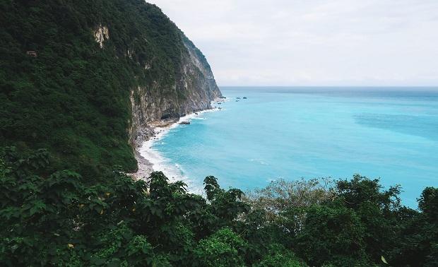 Qingshui Cliff - Nằm trên đường đi vườn quốc gia Taroko, nước biển ở đây trong xanh đến ngỡ ngàng