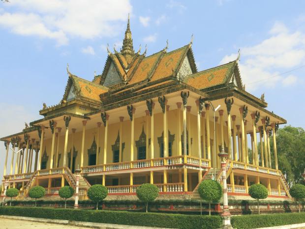 chùa Trăm Cột