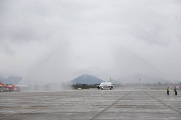 Hành khách đặt mua vé máy bay Bamboo Airways đi Hà Nội đã hạ cánh an toàn tại sân bay Nội Bài