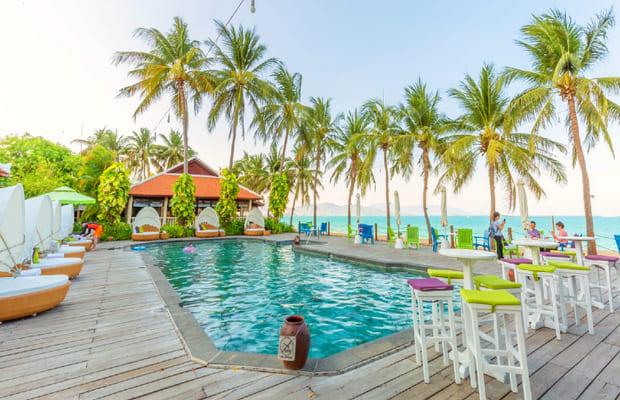 Hồ bơi tại khách sạn Khánh Hòa Evason Ana Mandara