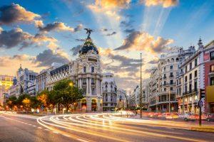 Đặt vé máy bay đi Madrid giá rẻ