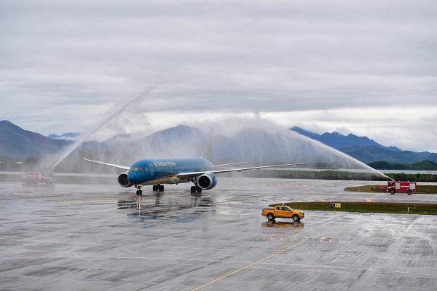 Chuyến bay đầu tiên kết nối TP HCM - Vân Đồn Vietnam Airlines