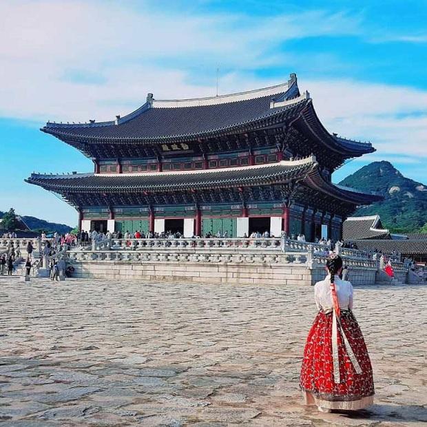 Đăt vé máy bay đi Hàn Quốc khám phá cung Cảnh Phúc