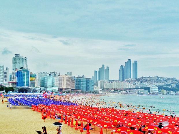Đừng bỏ lỡ bãi biển Haeundae khi đặt mua vé máy bay đi Busan
