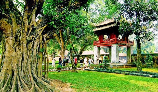 Đặt vé máy bay từ Singapore về Việt Nam thực hiện chuyến du lịch Hà Nội