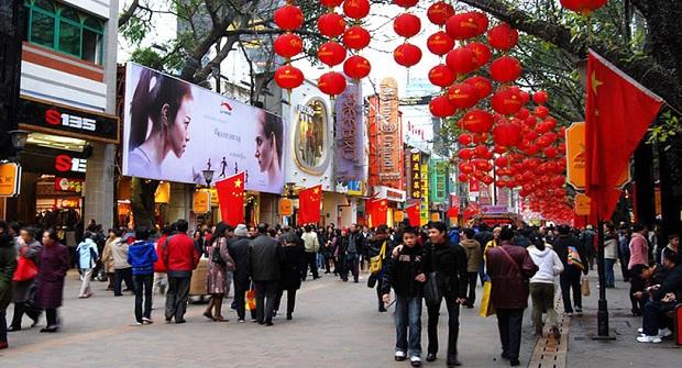 Phố đi bộ Bác Kinh Lộ - Quảng Châu, tập trung nhiều khu mua sắm
