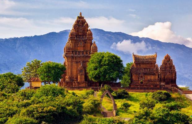 khách sạn Phan Thiết - tháp chàm