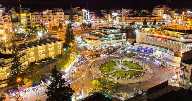 Khu chợ Đà Lạt về đêm là điểm đến yêu thích của du khách