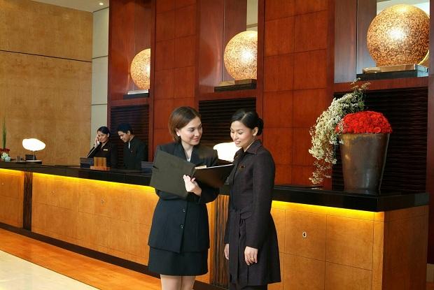 Kinh nghiệm đặt phòng khách sạn giúp đỡ từ lễ tân