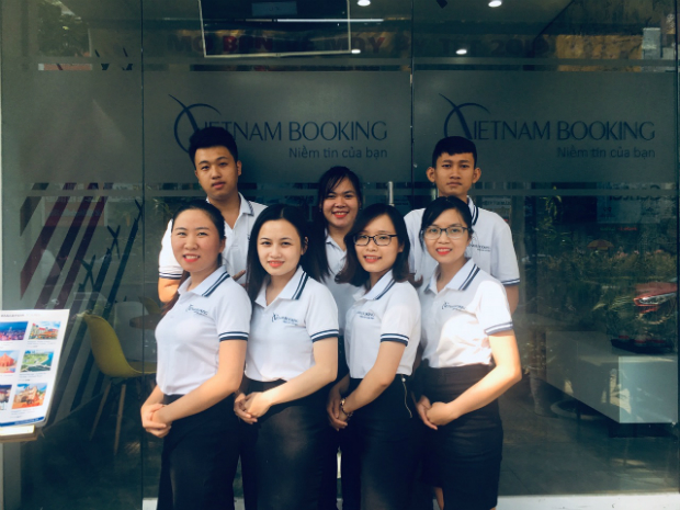 Đội ngũ nhân viên tại Vietnam Booking
