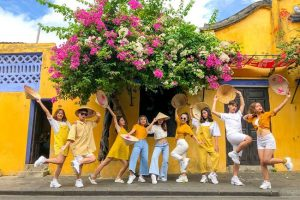 """Gợi ý cách mix đồ hợp thời trang khi đi du lịch Đà Nẵng – Trang phục đi chơi """" chất """" nhất cho bạn"""