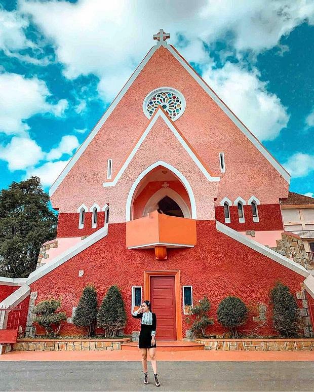 Nhà thờ Domain de marie Đà Lạt - tour đà lạt máy bay