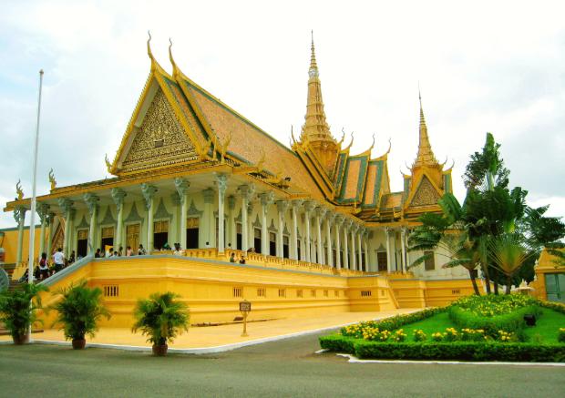 Chùa Vàng - Tour Lào Campuchia Thái Lan