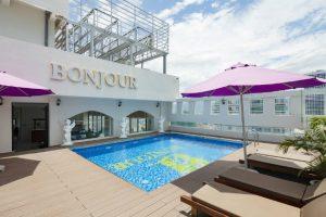 Combo 3N2D Vé máy bay + khách sạn 4 sao Bonjour Nha Trang