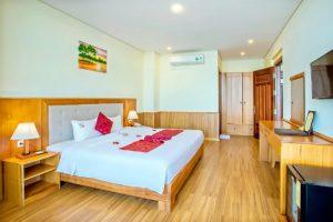 Combo 3N2D Vé máy bay + khách sạn 3 sao Golden Sea 3