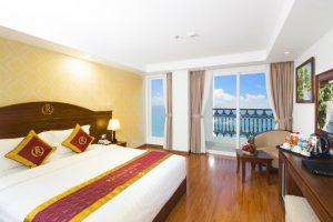 Combo 3N2D Vé máy bay + khách sạn 3 sao Regalia Nha Trang