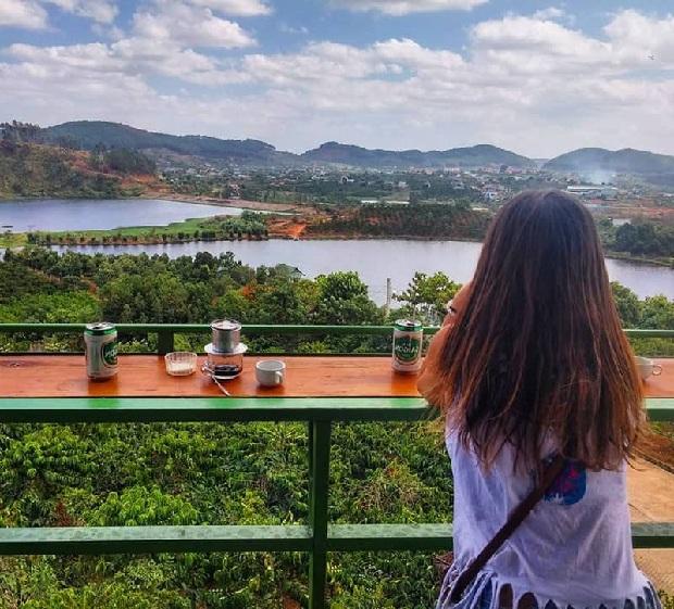 tour du lịch đà lạt khởi hành từ cần thơ ghé Cà phê Mê Linh coffee