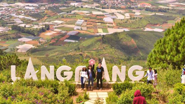đỉnh núi Lang Biang - Tour du lịch Đà Lạt