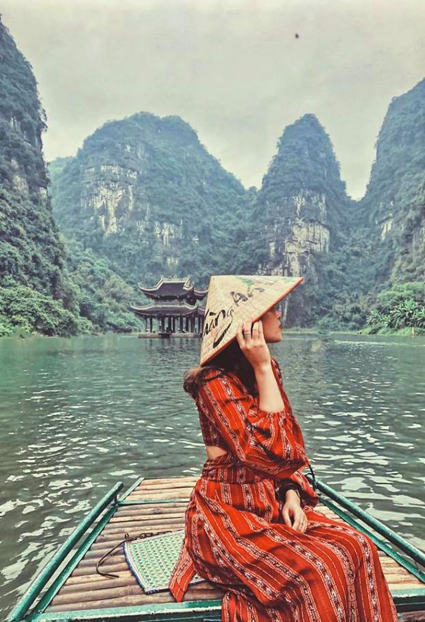 Cảnh đẹp hùng vĩ, núi non hữu tình ở Tràng An - Tour Tràng An