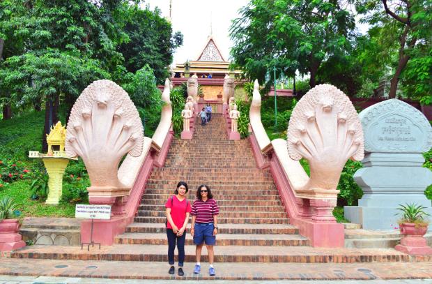 Wat Phnom - tour Lào Campuchia Thái Lan